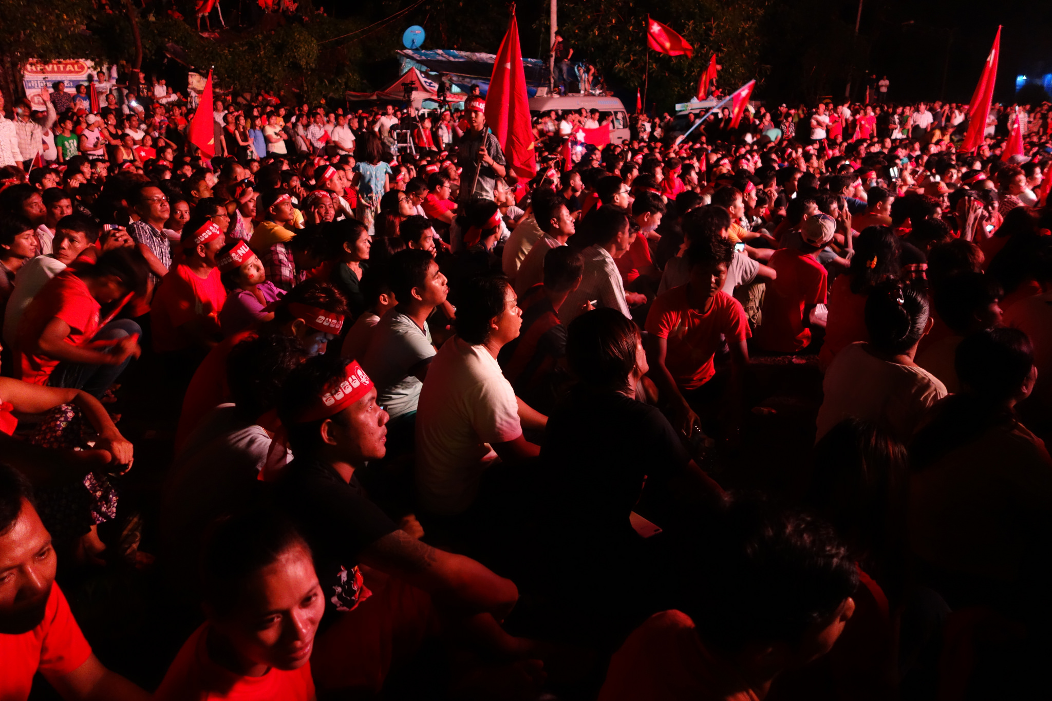 Happy crowd waiting for election results outside NLD HQ. Photo by judithbluepool on November 10, 2015. (CC BY-NC 2.0)